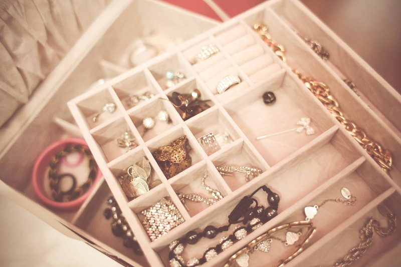 Ideal jewellery to carry on your vacations
